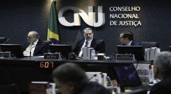 O corregedor nacional de Justiça, ministro Humberto Martins, levou em consideração a Lei Orgânica da Magistratura Nacional