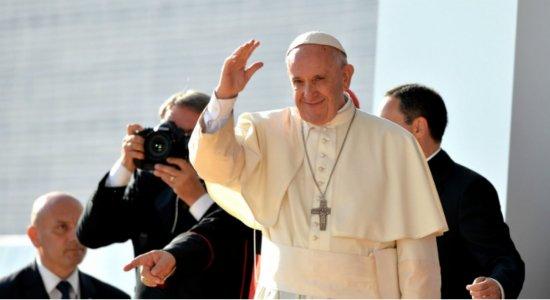 Na Missa do Galo, papa Francisco condena ganância e acúmulo de bens