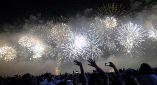 Covid-19: Recife substitui queima de fogos e shows por espetáculo de luzes no Ano Novo