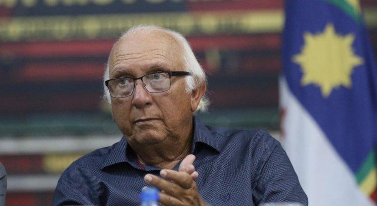 Milton Bivar tomou posse da presidência do Sport nesta quarta-feira (2)