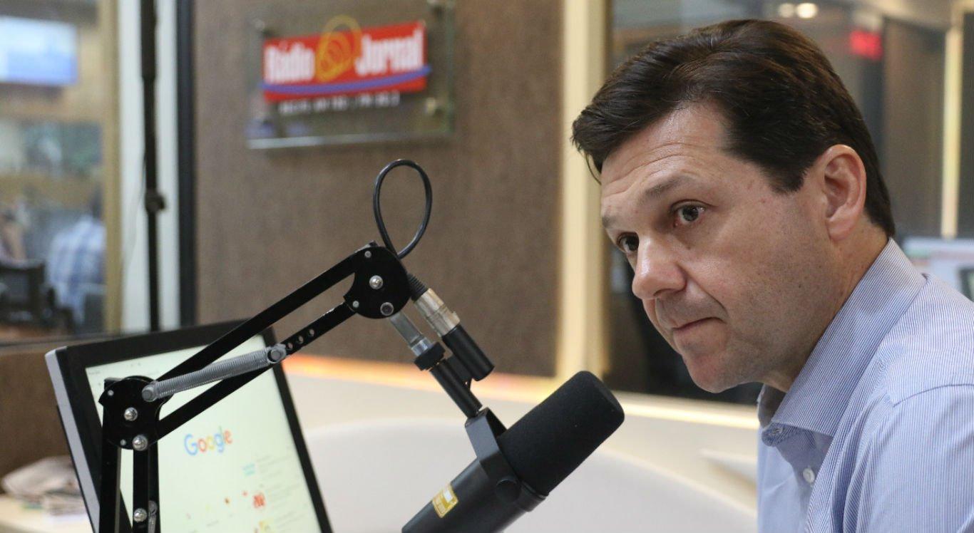 Geraldo Julio em entrevista na Rádio Jornal