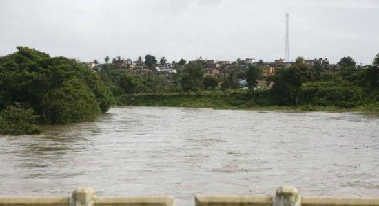 Criança de três anos morre afogada no Rio Una, em Barreiros