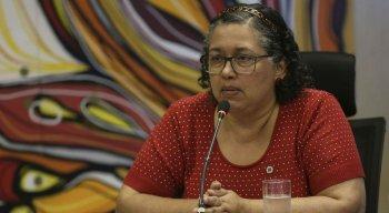 Suely Araújo pediu exoneração do cargo nesta segunda-feira (7)