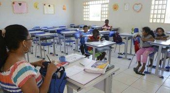 Valor é para profissionais do magistério público da educação básica, com formação de nível médio, modalidade normal, com jornada de 40 horas semanais