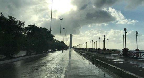 Defesa Civil emite alerta de chuva forte no Recife