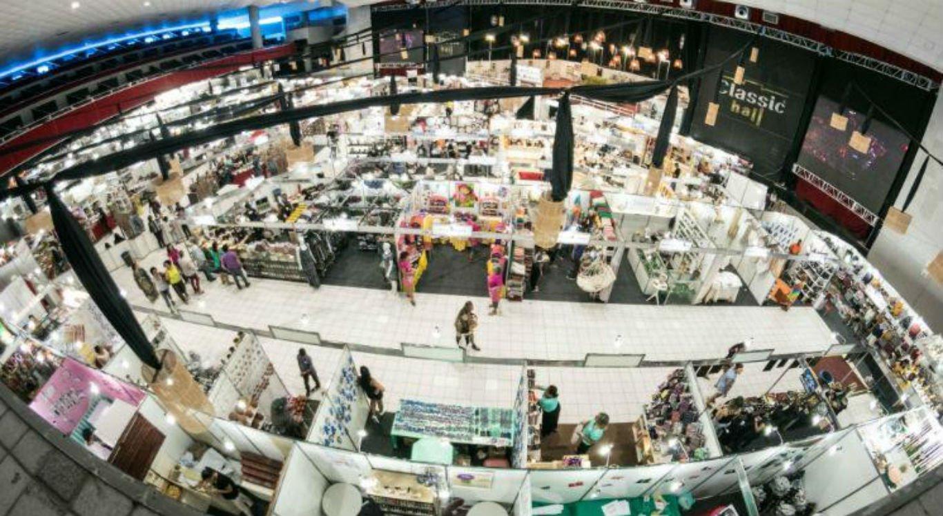 Fenahall reúne 200 estandes com artesanatos de vários países