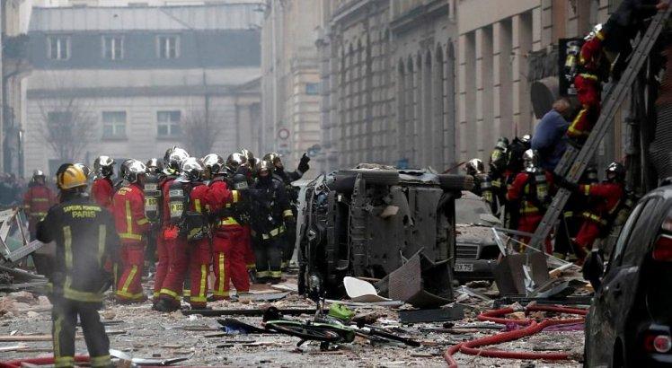 Pelo menos 30 pessoas ficaram feridas na explosão