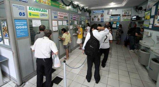 Coronavírus: justiça suspende decreto de Bolsonaro que autorizou abertura de igrejas e lotéricas