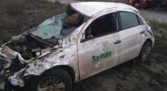Veículo que levava crianças com microcefalia sofre acidente na BR-232