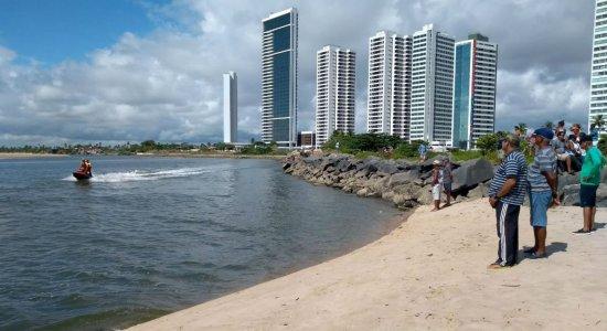 Bombeiros retomam buscas por vítima de afogamento em Barra de Jangada