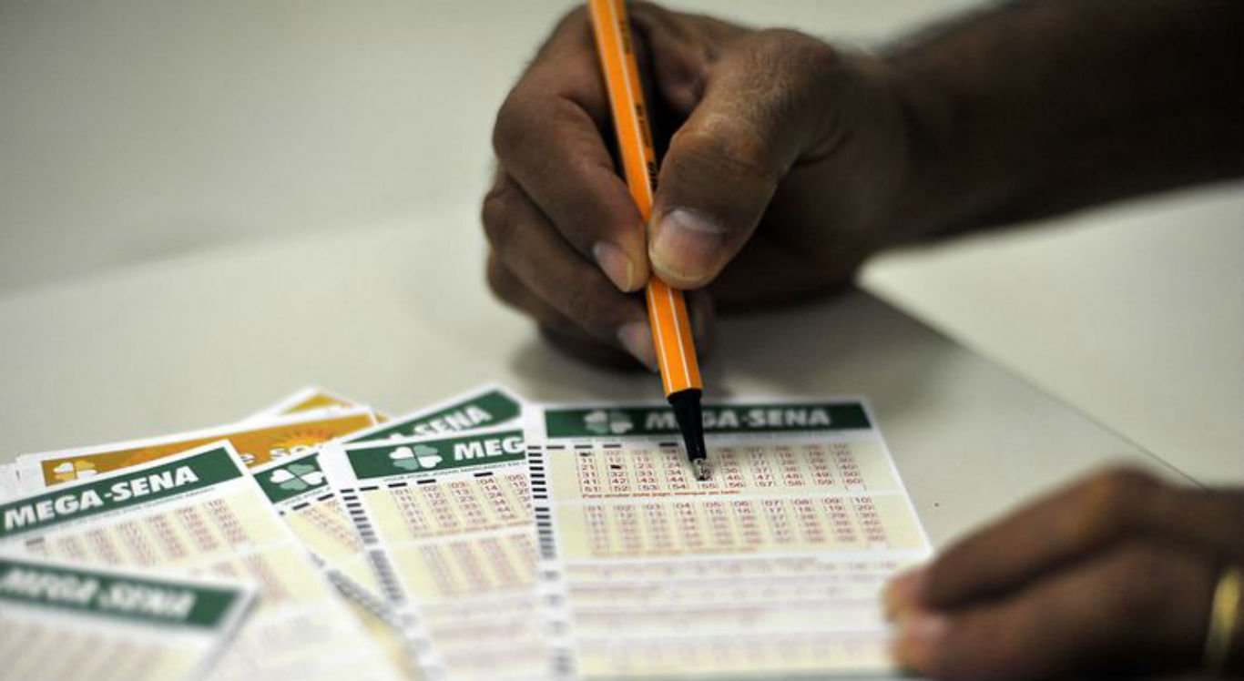 Aposta mínima da Mega-Sena é de seis dezenas e custa R$ 3,50
