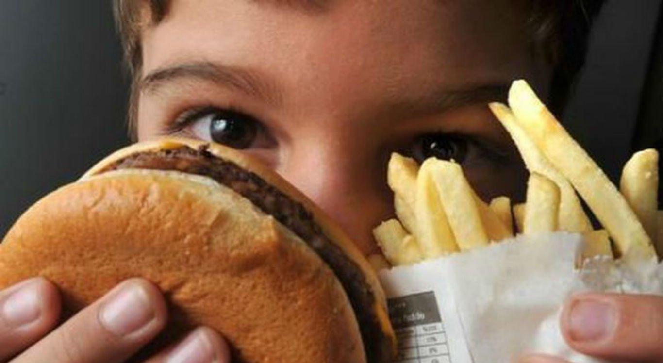 Altas taxas de obesidade infantil preocupam a OMS