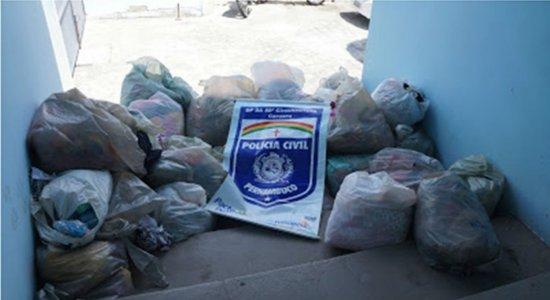 Mais de 2 mil peças de roupas falsificadas são apreendidas em Caruaru