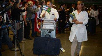 Número de profissionais de saúde de Cuba interessados em permanecer no Brasil ainda está sendo contabilizado