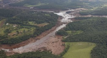 No sábado, presidente Jair Bolsonaro sobrevoou área atingida em Brumadinho