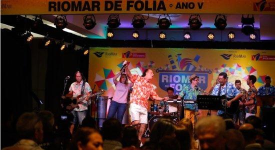 Som da Terra e Nonô Germano agitam o público na primeira noite do RioMar de Folia