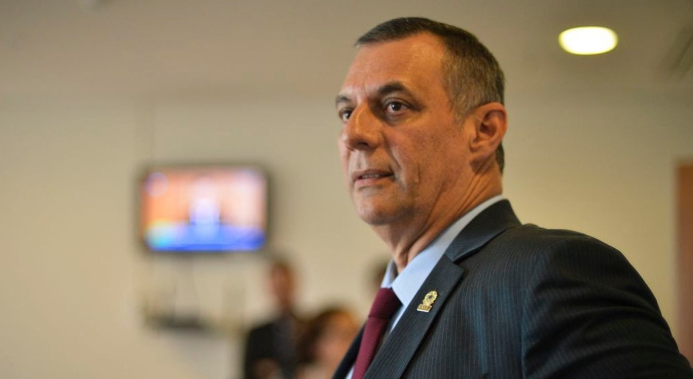 Porta-Voz do Governo comenta vitória do Sport em coletiva no Planalto