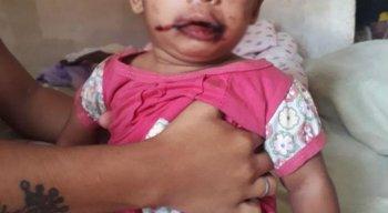 As quatro crianças, inclusive a bebê de oito meses, eram espancadas pela mãe