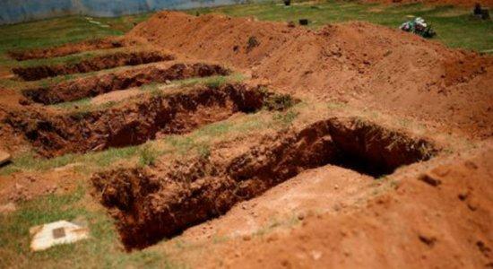 Sepulturas no Cemitério do Parque das Rosas em Brumadinho para enterrar corpos das vítimas da barragem da mineradora Vale