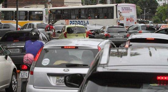 Motoristas com IPVA em atraso devem se regularizar para evitar o SPC
