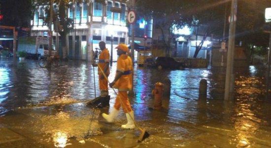 Chuva forte provoca deslizamentos e alagamentos no Rio de Janeiro