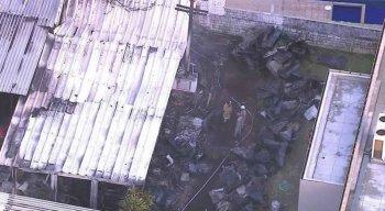Chamas do incêndio atingiram principalmente os alojamentos onde dormiam os jogadores de base do Flamengo