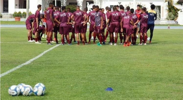 Jogadores da base do Bangu vem treinando nas instalações do CDA.