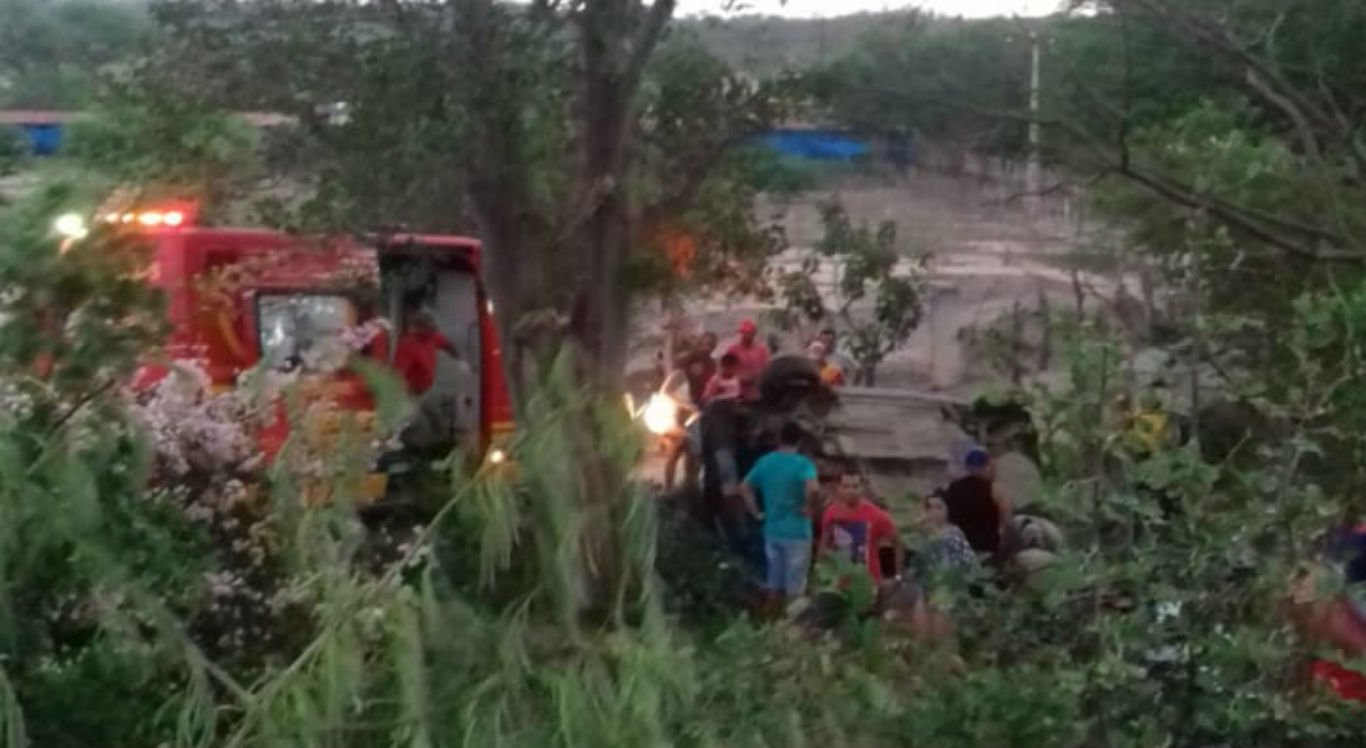 Acidente em Pesqueira deixa criança morta e um homem em estado grave