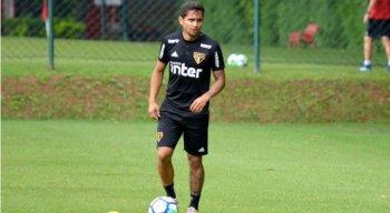 Everton Felipe vem sendo pouco utilizado no São Paulo.