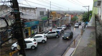 Cidades da Zona da Mata Norte amanhecem com fortes chuvas e trovoadas
