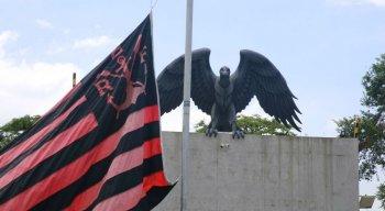 Um incêndio no centro de treinamento do Flamengo, na zona oeste da cidade do Rio de Janeiro, deixou dez mortos