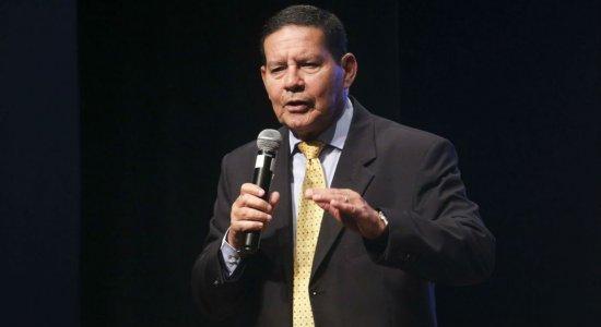 Segundo Mourão, deve ser realizada uma campanha de esclarecimento para a população compreender os pontos propostos na reforma