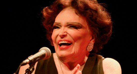Aos 96 anos, morre Bibi Ferreira, diva do teatro musical brasileiro