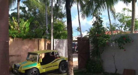 Homem que invadiu casa em Porto de Galinhas deixa a propriedade