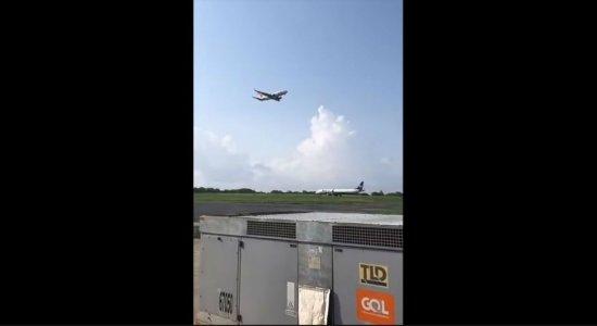No Aeroporto de Fernando de Noronha, avião arremete e evita colisão