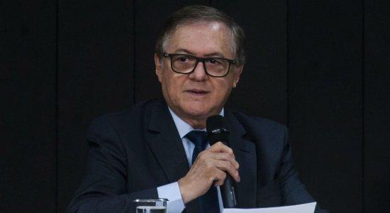 Após chamar brasileiro de canibal, ministro da Educação pede desculpas