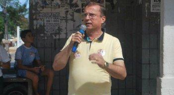 Meira é prefeito de Camaragibe, na Região Metropolitana do Recife