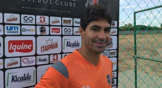 Lateral do Santa Cruz fala sobre polêmica do clássico na Copa do Brasil