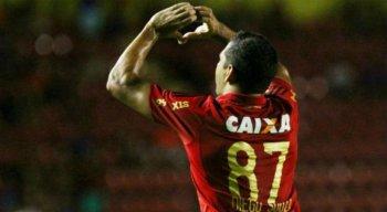 Diego Souza tem contrato com o São Paulo até dezembro