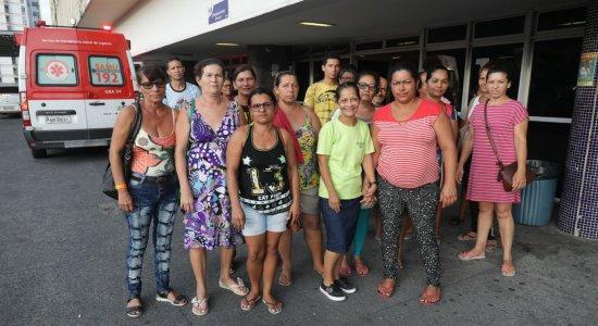 Acompanhantes reclamam de tratamento no Hospital da Restauração