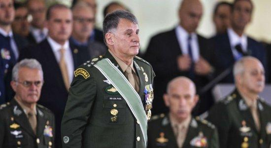 Comandantes do Exército, Marinha e Aeronáutica colocam cargos à disposição, diz jornal