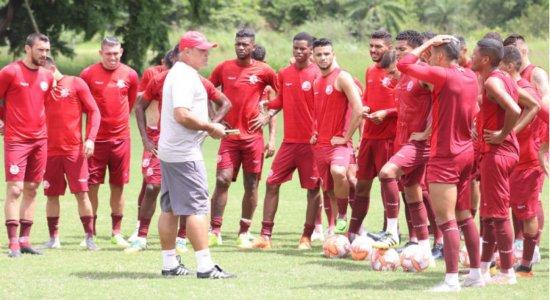 Náutico enfrenta o Sampaio Corrêa em busca de recuperação na Copa do Nordeste