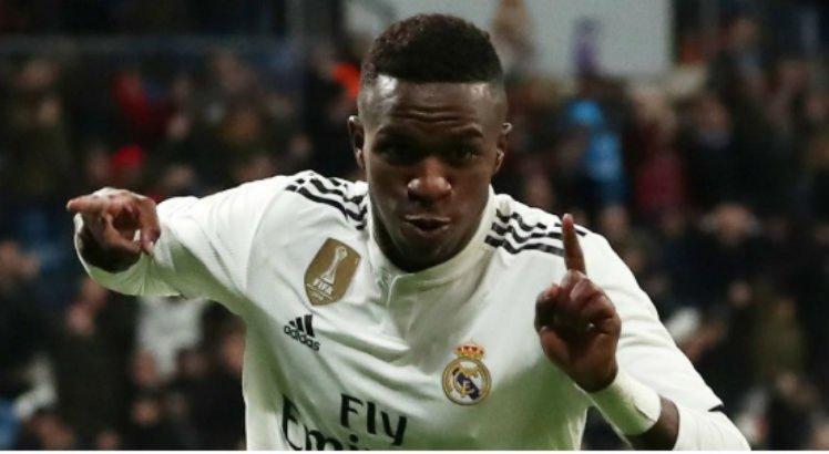 Após golaço em vitória na Champions League, Vinícius Jr. é comparado com Ronaldo Fenômeno