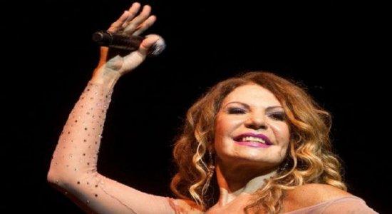 Elba Ramalho foi atração surpresa em evento do grupo Big Bompreço