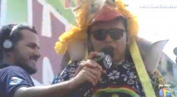 Almir Rouche pediu ma salva de palmas para Graça durante o desfile