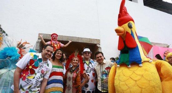 Paulo Câmara elogia festa do Galo da Madrugada