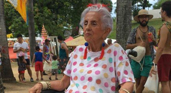 Foliã de 90 anos aprova estrutura e animação do carnaval de Olinda