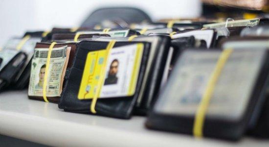 Carnaval: mais de 1.800 documentos e pertences esperam donos em Olinda