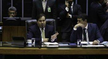 Rodrigo Maia preside sessão da Câmara