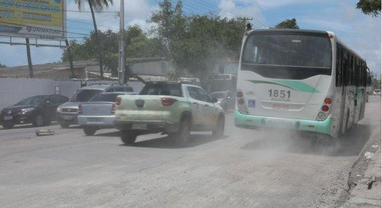 Obras no Recife geram transtornos para pedestres e motoristas